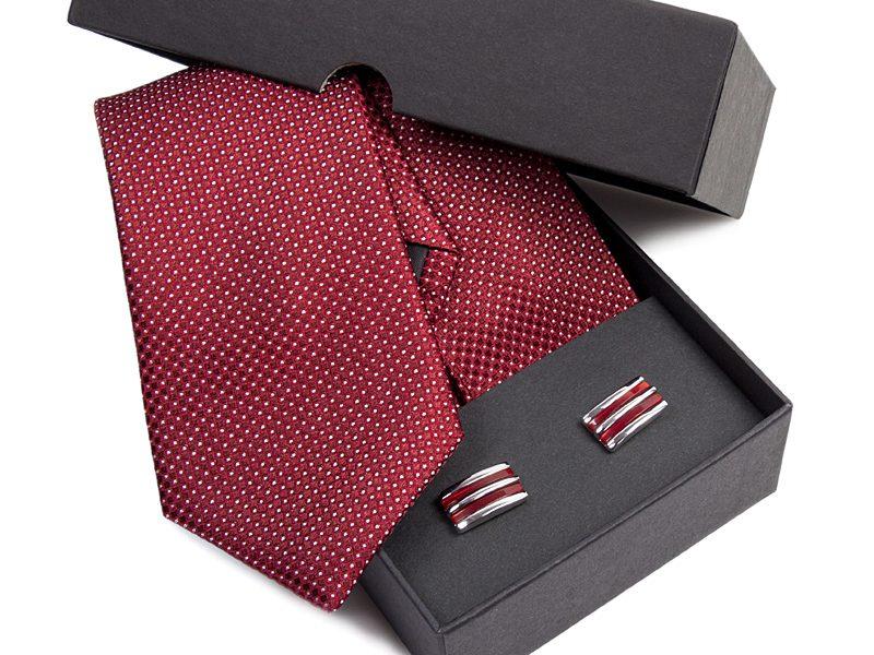 Zestaw upominkowy: Krawat jedwabny Venzo + spinki do mankietów zapakowane w eleganckie opakowanie kartonowe 478