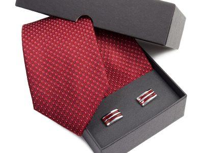 Zestaw upominkowy: Krawat jedwabny Venzo + spinki do mankietów zapakowane w eleganckie opakowanie kartonowe 482