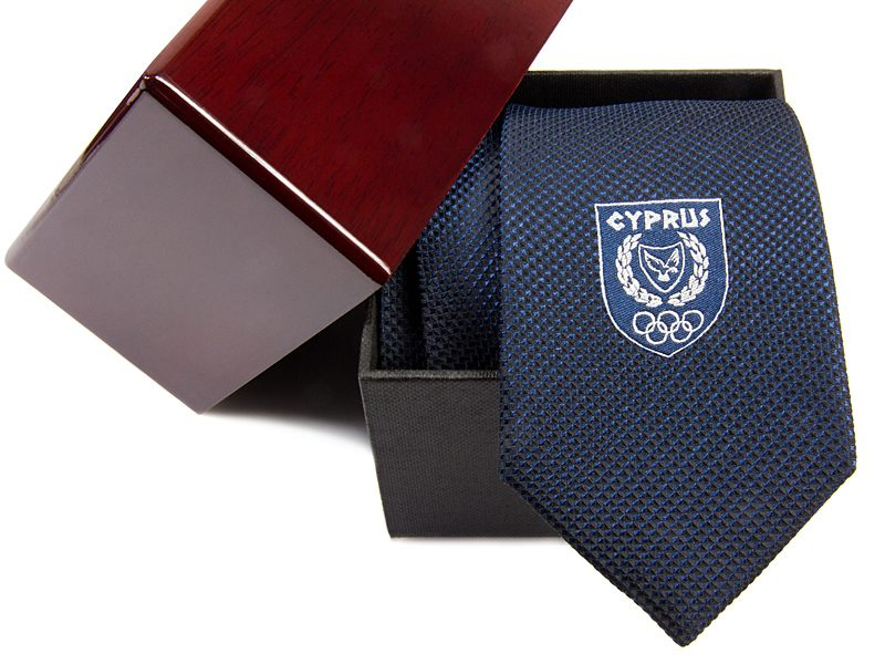 opakowanie-drewniano-kartonowe-krawat