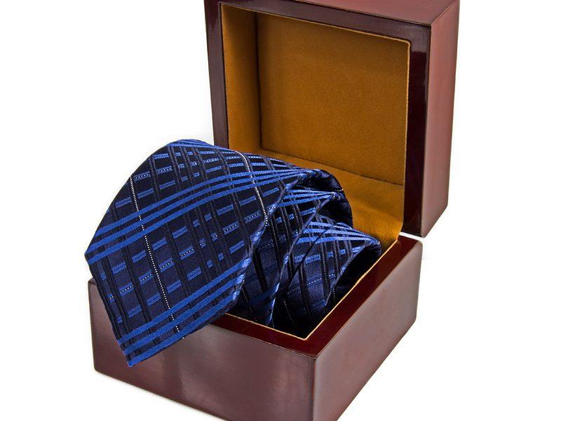 pudełko drewniane na krawat