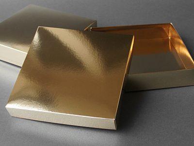 złote opakowanie na apaszkę