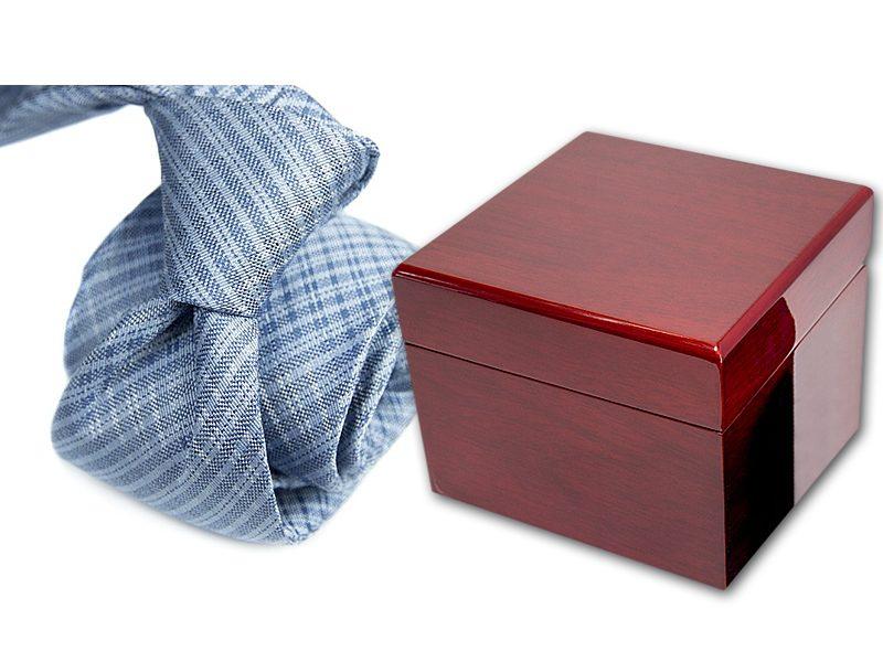 zestaw upominkowy: krawat + pudełko drewniane 495