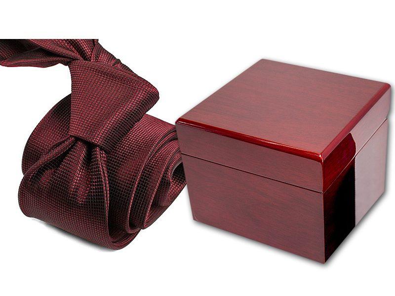 zestaw upominkowy: krawat + pudełko drewniane s598