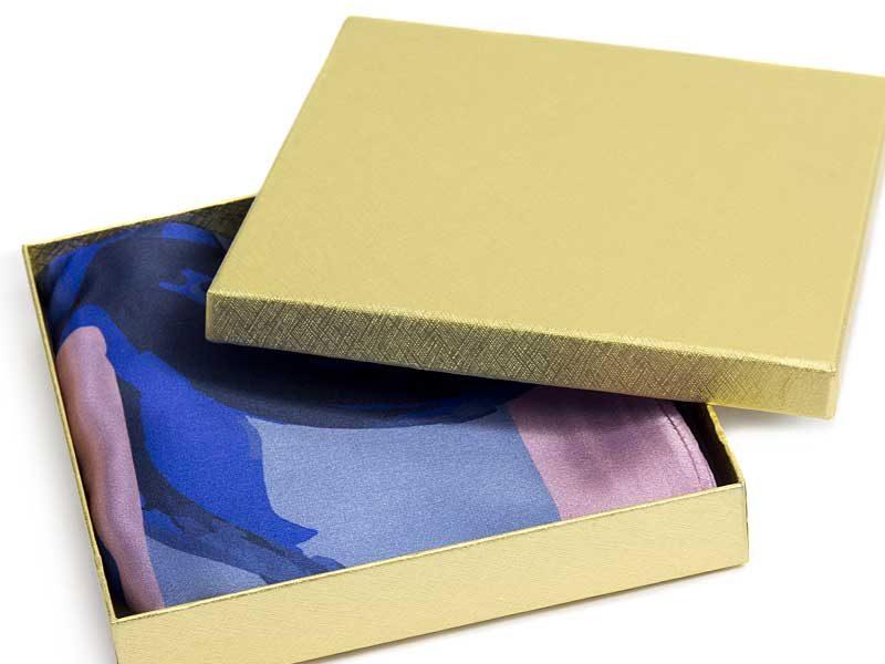 pudełko kartonowe 150x150x25mm zlote 2